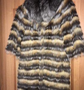 Продам меховое пальто на весну 1 сезон б/у