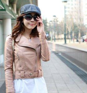 Розовая курточка из ЭКО- кожи