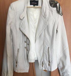 Куртка женская весна -осень