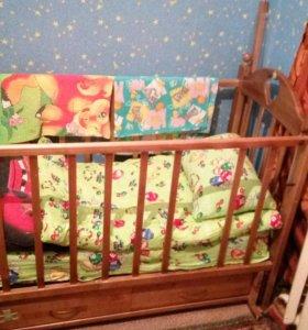 Кроватка-маятник с выдвижным коробом