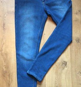Новые зимние джинсы с начёсом befree ( S)