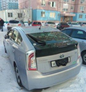 Автомобиль Тойота Приус