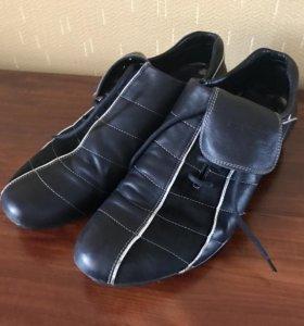 Кожаные кроссовки 43р.