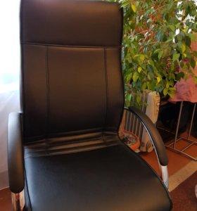 Кресло руководителя Unital Чик D100