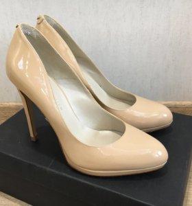 Новые туфли Karen Millen р.38
