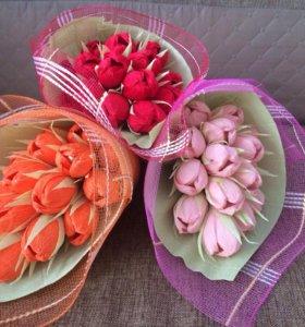 Букеты из конфет и мягких игрушек)