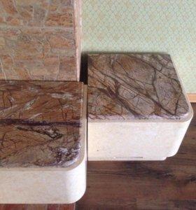 Пуфики из мрамора в каминную зону