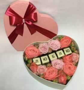 Цветы в коробке. Подарок на 8 марта.