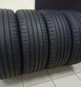 Продам комплект летних шин Dunlop RT 225/45 R19
