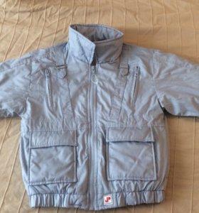Куртка детская весна-осень.