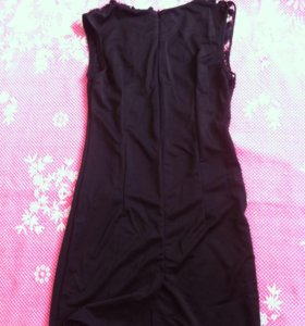 Черное коктельное платье