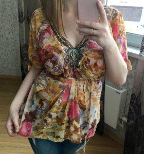 Яркая блуза летняя