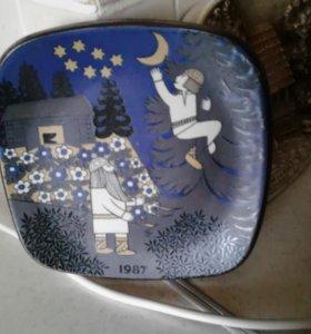 Настенная тарелка-панно