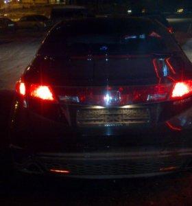 Автомобиль Honda Civic 5d