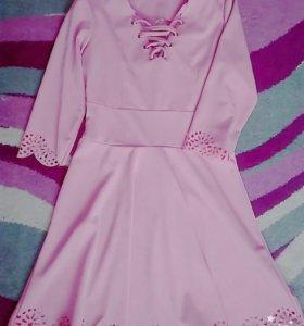 Продаю новое платье.