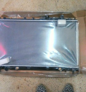 Радиатор охлаждения Mitsubishi Diamante