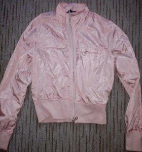 Бомбер бледно-розовый
