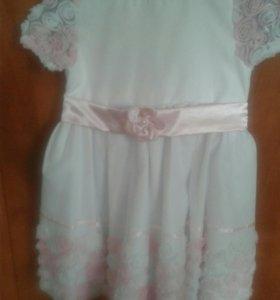 Платье д.девочки очень красивое отличное состояние