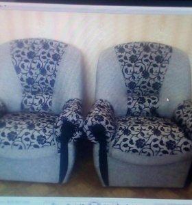 Диван и два кресла.мягкая мебель