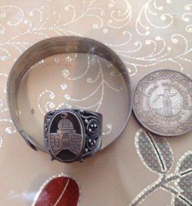 Кольцо чистое серебро,Продам.
