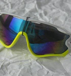 Очки спортивные солнцезащитные, новые.