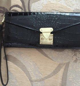 Клатч-кошелёк с ремешком как новый