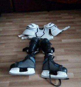 Хоккейная одежда на мальчикаот5-10лет.