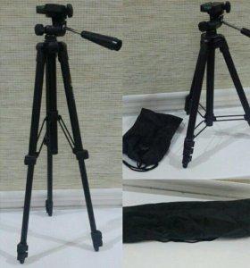 Фотоаппарат CANON EOS 1100.