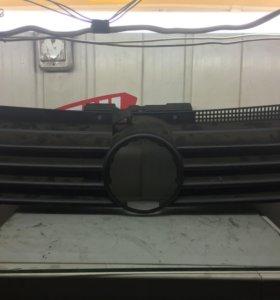 Решётка радиатора WV Jetta 1999 год- 2004 год
