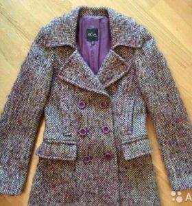 Стильное пальто шерстяное BGN р.42
