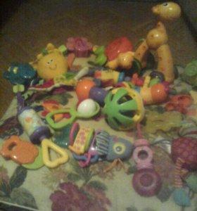 Игрушки для малыша за1шт