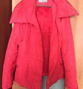 Женские хорошие куртки весна недорого 46-48-50