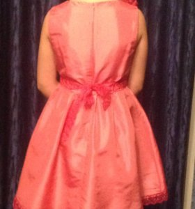 Платье праздничное на девочку 8-10 лет