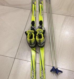 Комплект беговых лыж Fischer 170