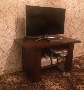 Стол столик