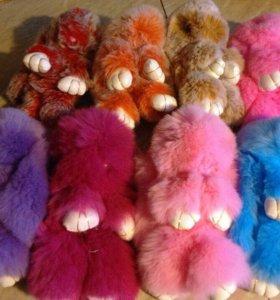 Продам игрушку кроликов из натурального меха