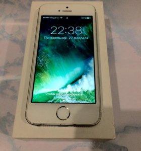 IPhone SE серебристый 16Gb.