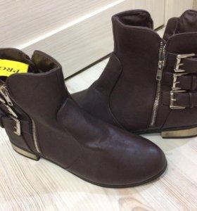 Ботинки 39-40 р