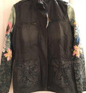 Desigual куртка новая 46-48