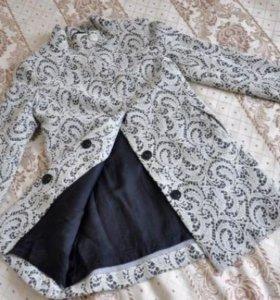 Пальто кружевное