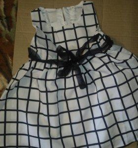Платье на девочку 100