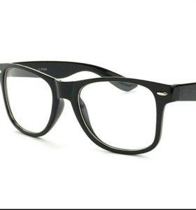 Очки стильные