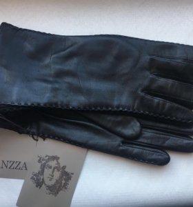 Перчатки новые чёрные кожаные ELEGANZZA