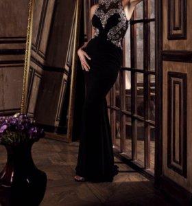 Платье вечернее чёрное длинное