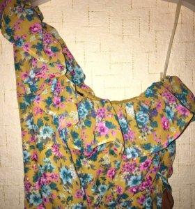 Летнее цветастое платье 40-42р