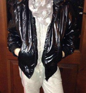 Новая, теплая, осенняя курточка