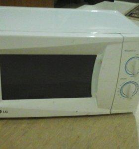 Микроволновая печь на запчасти.