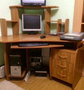 Стол компьютерный новый