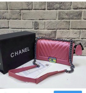 Сумка Chanel.