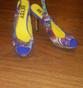 Туфли,босоножки и т.д
